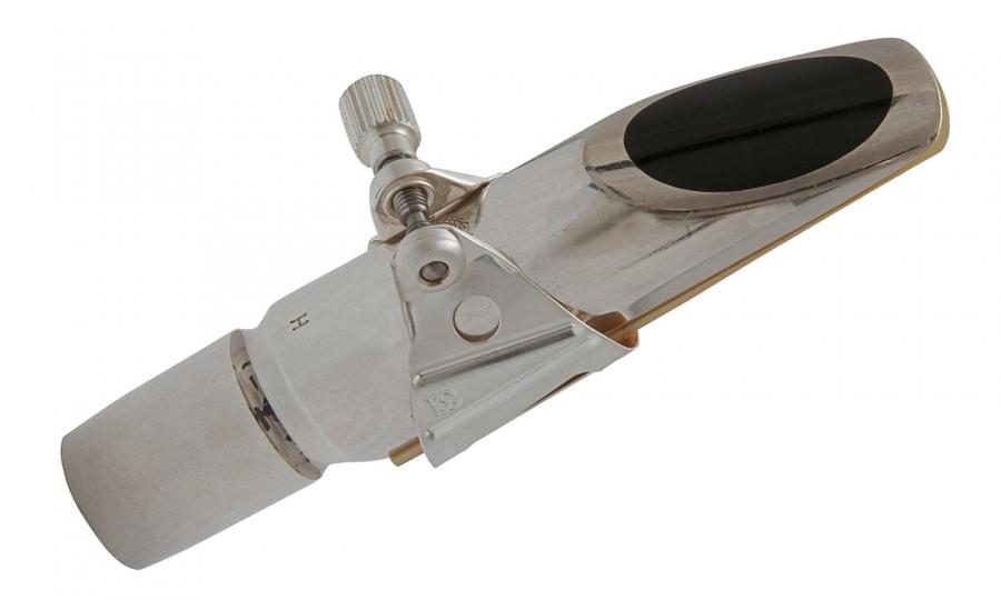 Exemplo de utilização em uma boquilha Berg Larsen, que não acompanha a abraçadeira.
